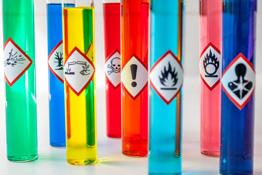 almacenando químicos legalmente